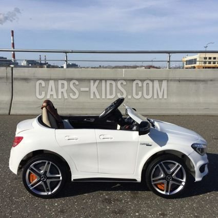 Электромобиль Mercedes-Benz CLA 45 AMG (резиновые колеса, кожа, пульт, музыка)